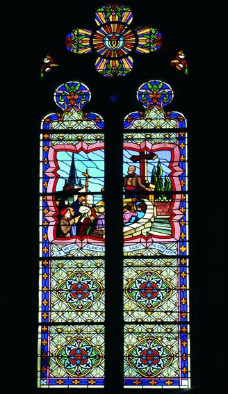 Un des rares vitrail de la région représentant les messes clandestines durant les Guerres de Vendée.