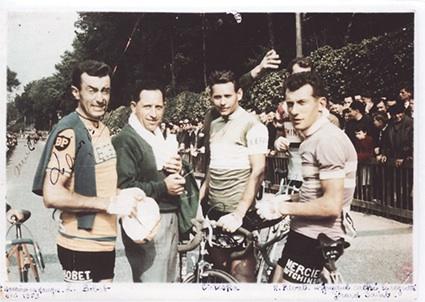 1959 : Louison Bobet (à gauche) participe au critérium de la Chaussure de Saint-Macaire-en-Mauges