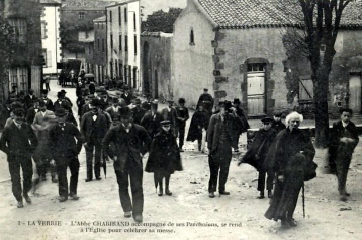 Le curé Chabirand et ses paroissiens