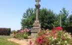 Cholet : la croix du Chêne Landry, vestige de l'ancien cimetière