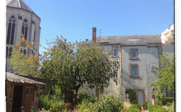 Cholet : le jardin de curé de Saint-Pierre, un petit coin de paradis en plein coeur de ville