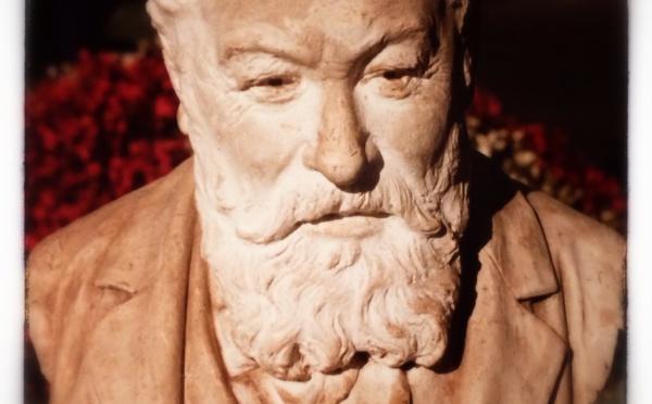 Stanislas Biron, un sculpteur maugeois dont l'œuvre ne laisse pas de marbre...